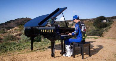 Ο Jeremy Seewer αποκαλύπτει το πάθος του για δύο είδη της Yamaha!(+Video)
