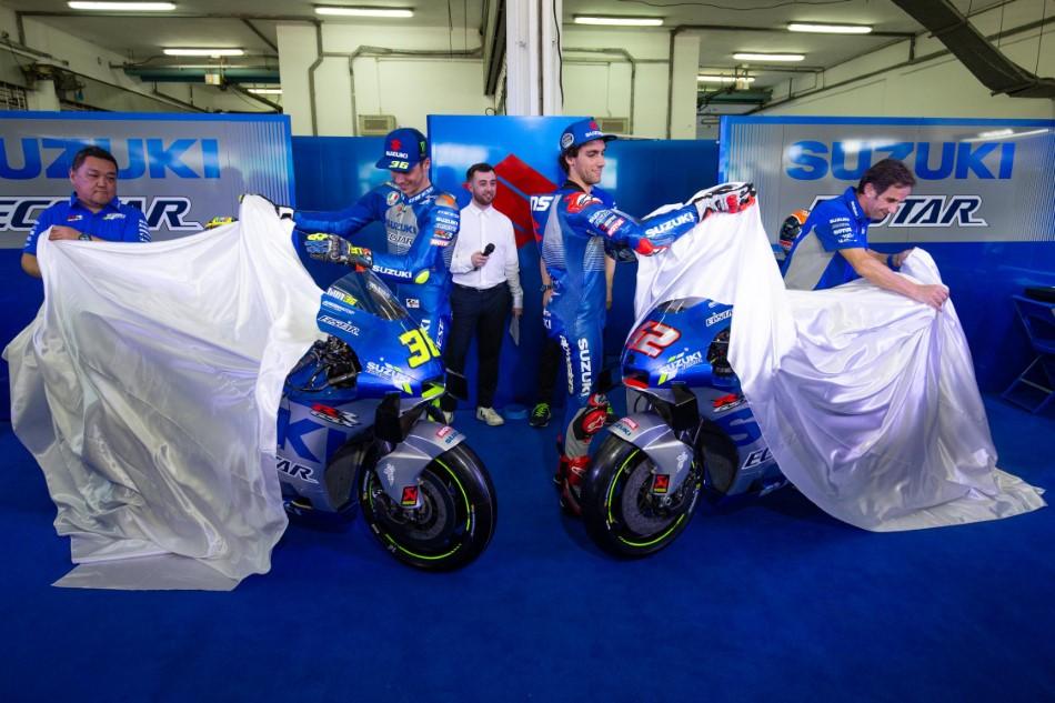 MotoGP_Parousiasi_Team_Suzuki_Ecstar_GSX_RR_2020_slide.gr