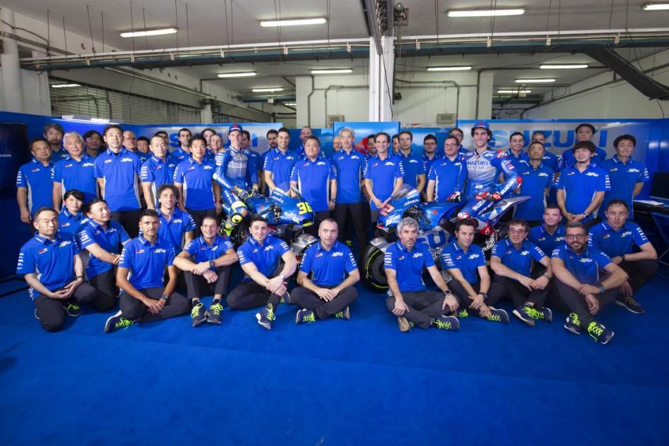 MotoGP_Parousiasi_Team_Suzuki_Ecstar_GSX_RR_2020_slide.gr_07