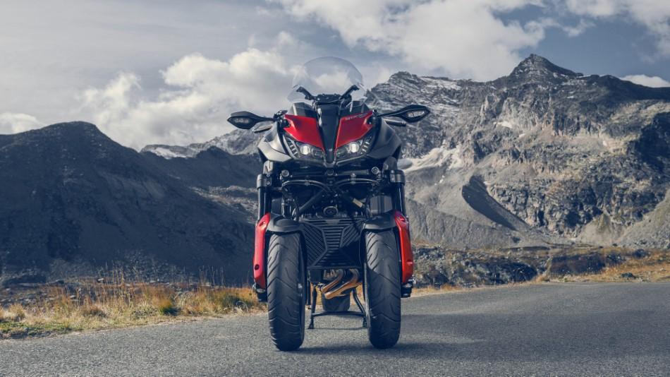 Yamaha_Sport_Touring_kampania_Niken_Tracer_FJR_2020_slide.gr_09.jpg