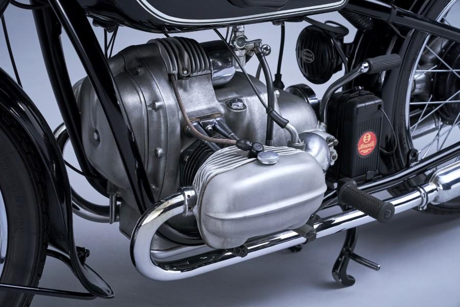 BMW_R18_New_Cruiser_2020_slide.gr_14