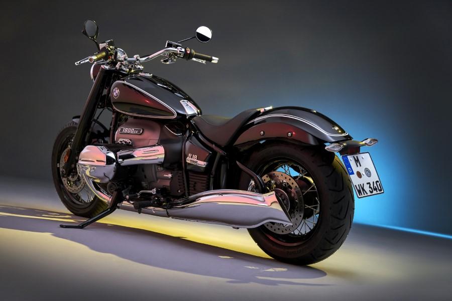 BMW_R18_New_Cruiser_2020_slide.gr_35