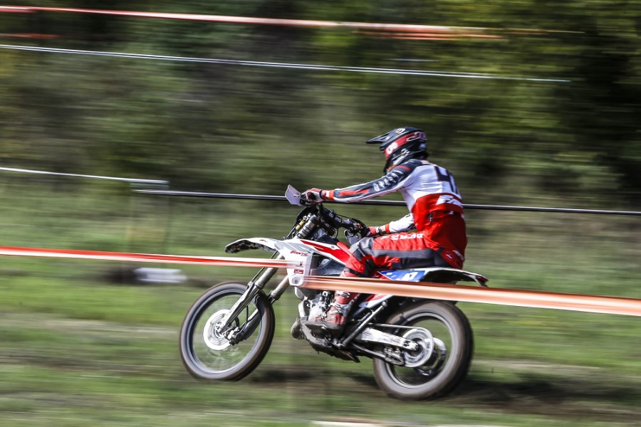 Fantic_Enduro_GP_Italy_Etchells_2020_slide.gr