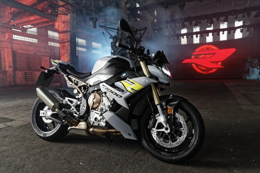 BMW_S1000R_MY21_2020_slide.gr_22