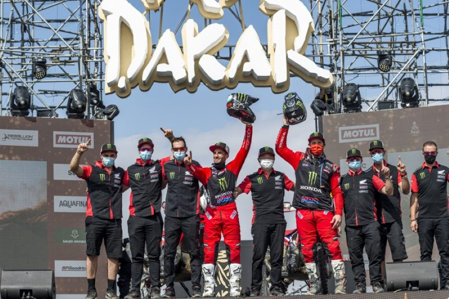 Honda_Monster_Energy_Team_Dakar_Win_2021_slide.gr