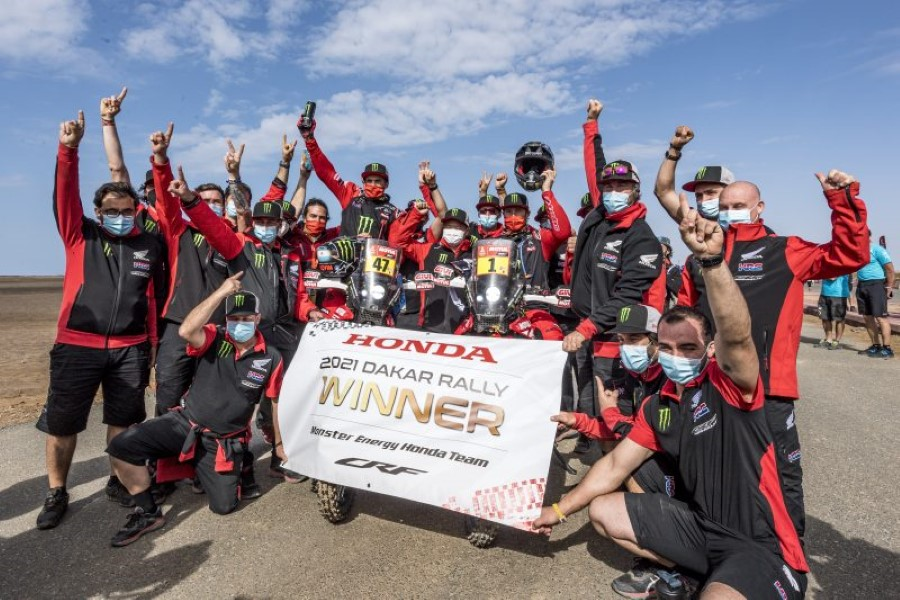 Honda_Monster_Energy_Team_Dakar_Win_2021_slide.gr_02