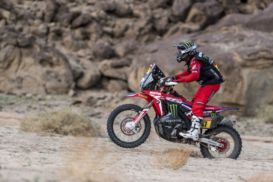 Honda_Monster_Energy_Team_Dakar_Win_2021_slide.gr_06
