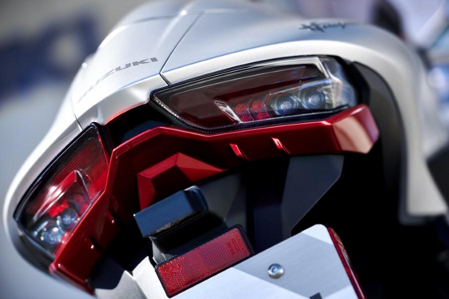 Suzuki_Hayabusa_GSX1300R_Gen3_MY21_2021_slide.gr_33