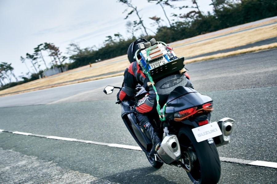 Suzuki_Hayabusa_GSX1300R_Gen3_MY21_2021_slide.gr_42