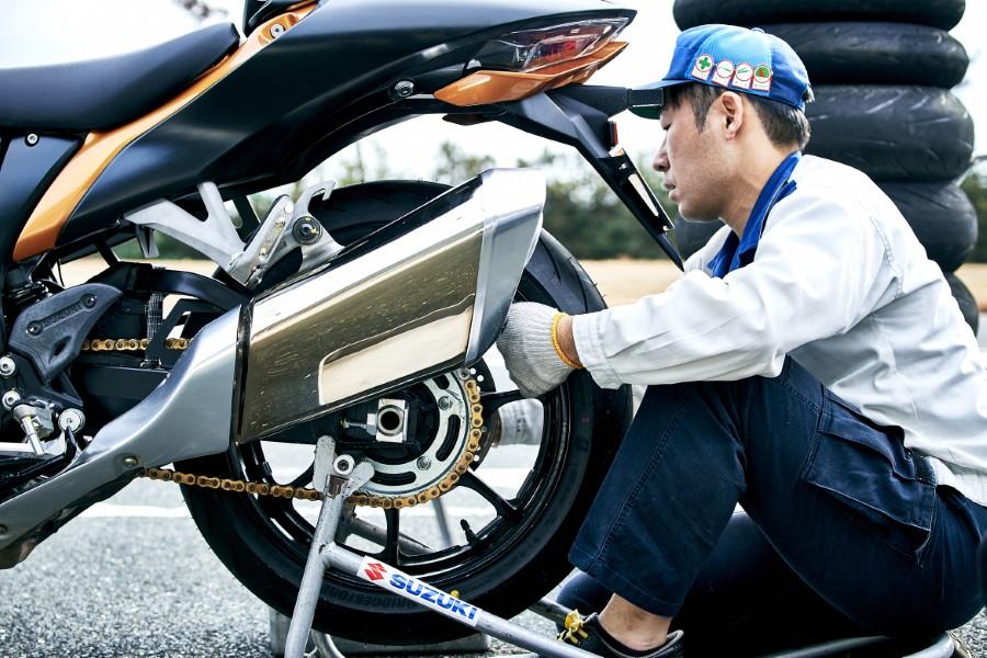 Suzuki_Hayabusa_GSX1300R_Gen3_MY21_2021_slide.gr_43