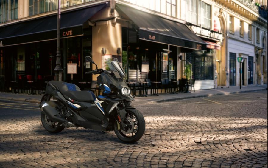 BMW_Motorrad_C_400_X_GT_Black_Collection_Scooter_2021_slide.gr_03