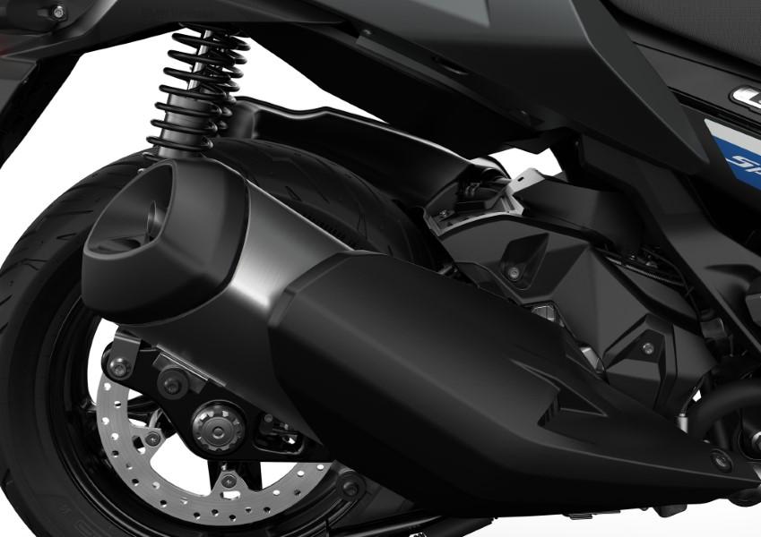 BMW_Motorrad_C_400_X_GT_Black_Collection_Scooter_2021_slide.gr_11