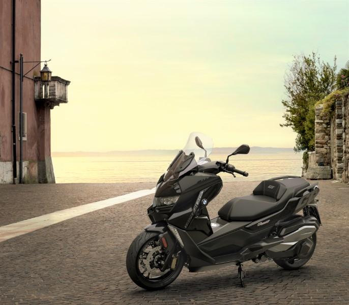 BMW_Motorrad_C_400_X_GT_Black_Collection_Scooter_2021_slide.gr_20
