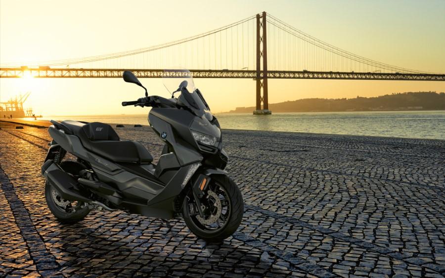 BMW_Motorrad_C_400_X_GT_Black_Collection_Scooter_2021_slide.gr_21