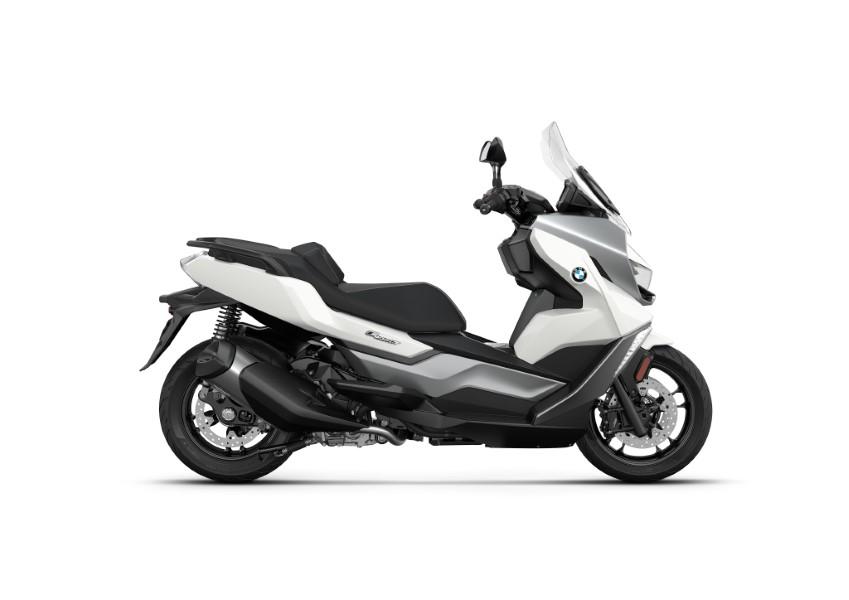 BMW_Motorrad_C_400_X_GT_Black_Collection_Scooter_2021_slide.gr_23