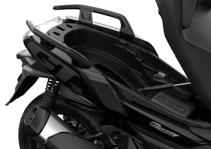 BMW_Motorrad_C_400_X_GT_Black_Collection_Scooter_2021_slide.gr_28