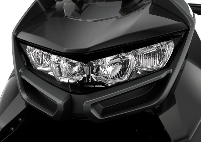 BMW_Motorrad_C_400_X_GT_Black_Collection_Scooter_2021_slide.gr_29