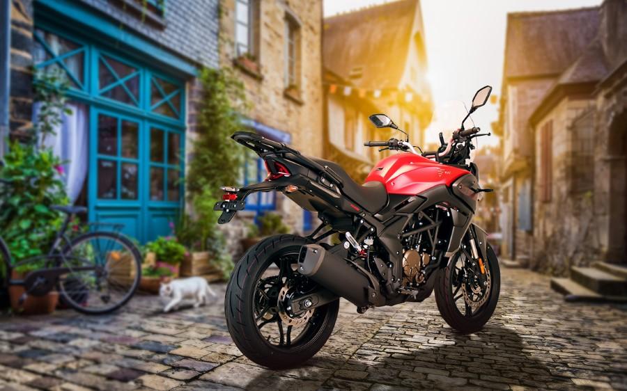 Voge_300DS_new_euro5_2021_slide.gr_02