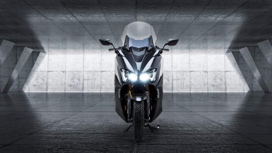 Yamaha_TMAX_20th_Anniversary_2021_slide.gr_14